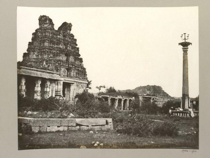 Eastern-Gopura-and-Lamp-Column-Vitthala-Temple-Complex